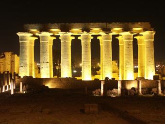 4-5-03-AE-Luxor.jpg