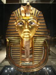 15-5-03-AE-Tutankhamun.jpg