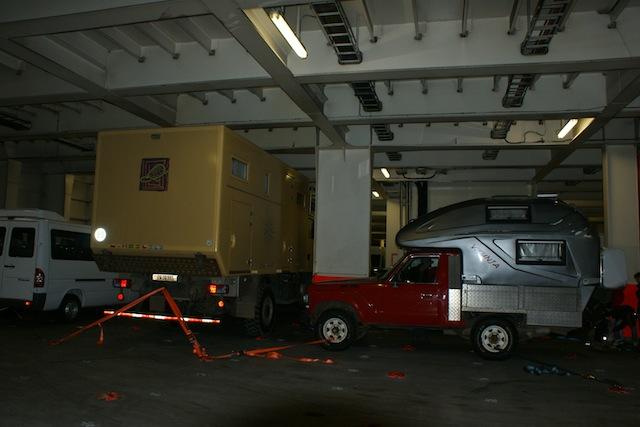 Fahrzeuge im Schiff